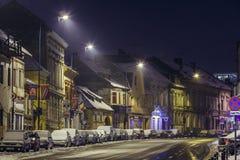 Paisaje urbano de la noche del invierno Fotos de archivo libres de regalías