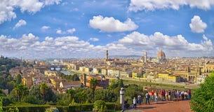 Paisaje urbano de la opinión aérea de Florencia Opinión del panorama del cuadrado del parque de Michelangelo Imagen de archivo libre de regalías