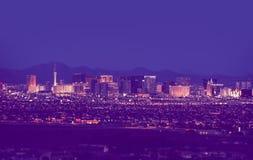 Paisaje urbano de Las Vegas en la noche imagen de archivo