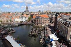 Paisaje urbano de Leiden en Holanda foto de archivo