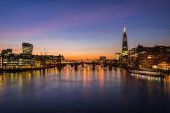 Paisaje urbano de Londres durante salida del sol Fotos de archivo libres de regalías