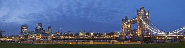 Paisaje urbano de Londres panorámico Imagen de archivo libre de regalías