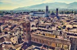 Paisaje urbano de Lucca, Italia imagenes de archivo