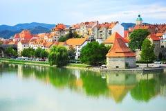 Paisaje urbano de Maribor fotos de archivo