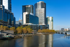 Paisaje urbano de Melbourne Southbank y río de Yarra Imagen de archivo