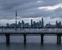 Paisaje urbano de Melbourne de St Kilda Pier fotografía de archivo libre de regalías