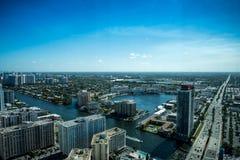 Paisaje urbano de Miami de la visión aérea imagen de archivo libre de regalías