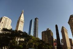Paisaje urbano de Nueva York Rascacielos de Manhattan en Madison Avenue en N fotos de archivo