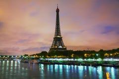 Paisaje urbano de París con la torre Eiffel Fotos de archivo