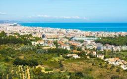 Paisaje urbano de Pescara en Italia imagenes de archivo