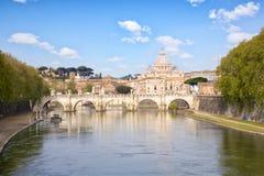Paisaje urbano de Roma y del Vaticano Foto de archivo libre de regalías