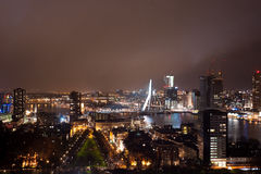 Paisaje urbano de Rotterdam del Euromast Foto de archivo