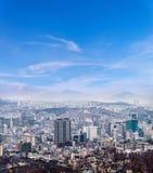 Paisaje urbano de Seul, horizonte, edificios de oficinas de la alta subida y skyscra Imagen de archivo