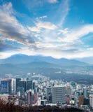 Paisaje urbano de Seul, horizonte, edificios de oficinas de la alta subida y skyscra Fotos de archivo