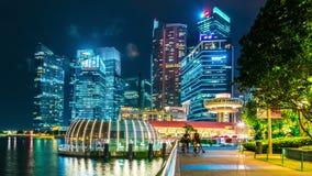 Paisaje urbano de Timelapse del horizonte de Singapur en la noche En agosto de 2017 almacen de video