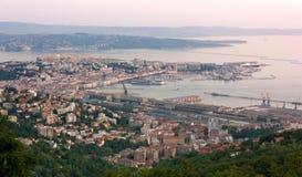 Paisaje urbano de Trieste en la puesta del sol Fotografía de archivo libre de regalías