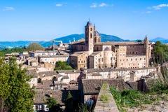 Paisaje urbano de Urbino en Italia Fotos de archivo libres de regalías