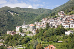 Paisaje urbano de Veleso, Italia Imagenes de archivo