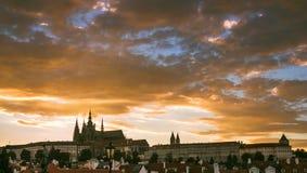 Paisaje urbano del castillo de Praga Imágenes de archivo libres de regalías
