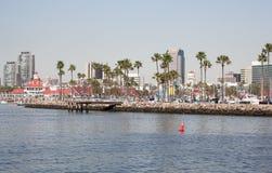 Paisaje urbano del destino del viaje y línea de la playa de Long Beach California Foto de archivo