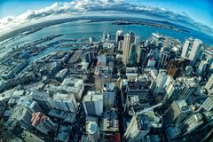 Paisaje urbano del panorama de la opinión aérea de Auckland Nueva Zelanda fotografía de archivo libre de regalías