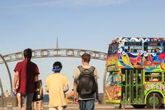 Paisaje urbano del paraíso de las personas que practica surf de la ciudad de Gold Coast Imágenes de archivo libres de regalías