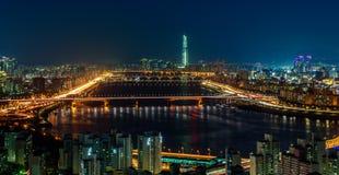 Paisaje urbano del puente de Hangang Fotos de archivo libres de regalías