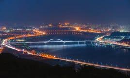 Paisaje urbano del puente de Hangang Imagen de archivo