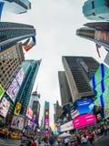 Paisaje urbano del tiempo del día de Time Square imagenes de archivo