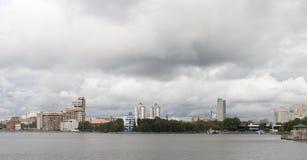 Paisaje urbano en Ekaterimburgo, Federación Rusa foto de archivo libre de regalías