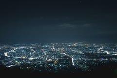 Paisaje urbano en la noche Fotos de archivo libres de regalías