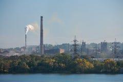 Paisaje urbano industrial de Dnepropetrovsk fotos de archivo