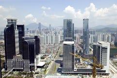 Paisaje urbano moderno de la metrópoli imagenes de archivo