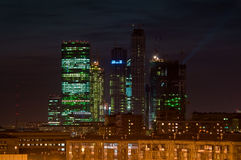 Paisaje urbano nocturno Imágenes de archivo libres de regalías