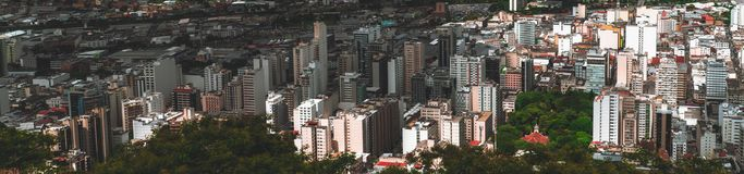 Paisaje urbano panorámico de Juiz de Fora desde muy arriba Fotografía de archivo