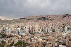 Paisaje urbano panorámico en La Paz en Bolivia Imagenes de archivo