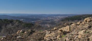 Paisaje urbano Veliko Tarnovo fotografía de archivo libre de regalías