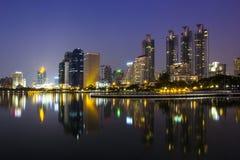 Paisaje urbano y torres Imágenes de archivo libres de regalías