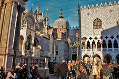 Paisaje veneciano, San Marco durante un carnaval domingo foto de archivo libre de regalías