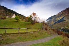 Paisajes hermosos con las altas montañas de Georgia, Europa Fotos de archivo libres de regalías
