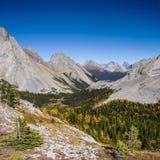 Paisajes hermosos de la montaña en otoño Imagen de archivo libre de regalías