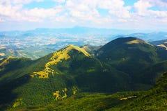 Paisajes hermosos de las montañas Apennines Imagenes de archivo