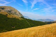 Paisajes hermosos del Apennines Imagenes de archivo