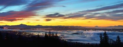 Paisajes urbanos panorámicos de Vancouver en la salida del sol Foto de archivo