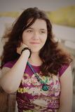 Paix de jeune femme Image libre de droits