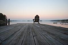 Paix et tranquilité au coucher du soleil photographie stock libre de droits