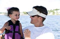 Paizinho e filha em férias Imagens de Stock Royalty Free