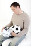 Paizinho excitado sobre o bebé foto de stock royalty free
