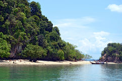 Pak Bia ö i den Phang Nga fjärden Arkivbild