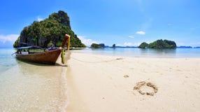 Pak Bia-Insel in der Phangnga-Bucht Lizenzfreies Stockfoto